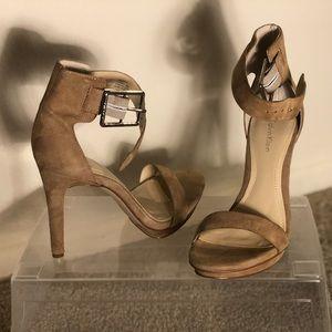 Tan Calvin Klein Vivian Suede Strappy Sandle Size
